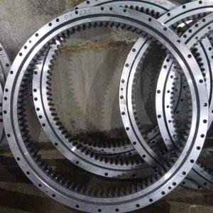 Круг поворотный HYUNDAI R 170-7